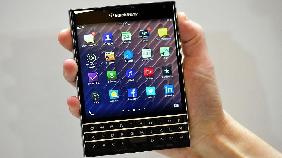 Incrível: BlackBerry Passport é fotografado rodando Android