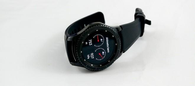Achei o relógio um pouco pesado, mas é parte da proposta de um produto para  quem gosta de praticar trilhas ou outros esportes. Apesar disso, não é tão  ... da9602e56b