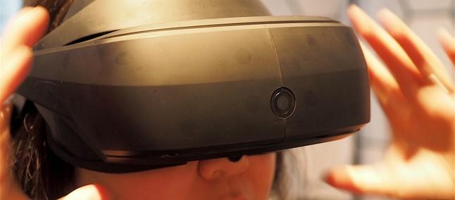 cc1ed246e95 LG SteamVR é um headset com design futurista para enfrentar HTC Vive e  Oculus Rift