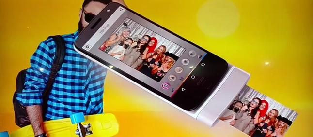 Câmera polaroid e até laptop! Novos Moto Snaps vazam em vídeo ... 40fb9d1591