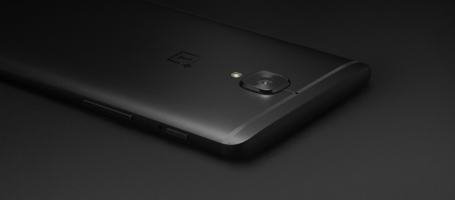 OnePlus 5 Midnight Black com envio imediato já está à venda