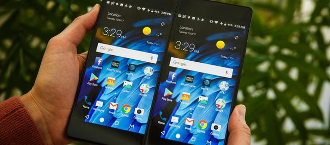 Resultado de imagem para Celular da ZTE tem dupla tela que roda dois aplicativos ao mesmo tempo
