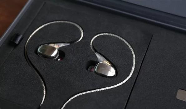 Na contramão do mercado, Meizu lança novos fones de ouvido com fio