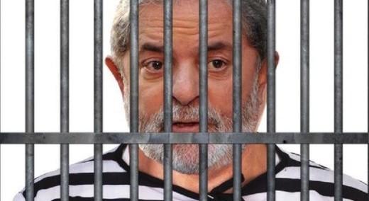 Resultado de imagem para lula na cadeia