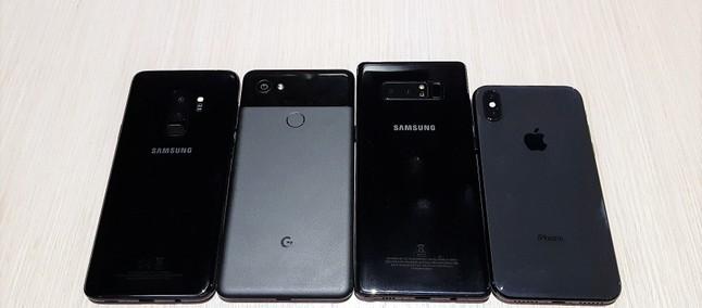 0fa970f8e Galaxy S9 Plus vs iPhone X vs Pixel 2 XL vs Galaxy Note 8  teste cego  escolhe qual é a melhor câmera