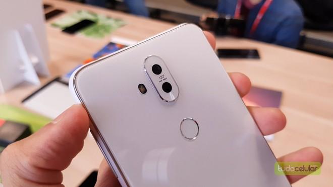 fc25b2009 Zenfone 5 Selfie traz quatro câmeras e tela 18 9 aos intermediários ...