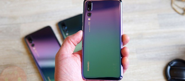 Resistant! Huawei P20 survives building collapse and draws attention in China