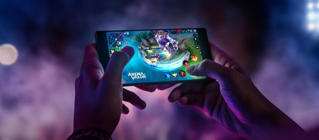 Razer Phone 2 can be launched with Chroma LEDs, rumor points