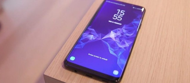 Galaxy S10: new concept brings device design based on rumors about front camera
