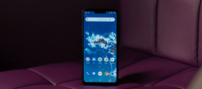 The sweet smell of cake! LG G7 One is the first handset brand to receive the Android 9.0 Foot