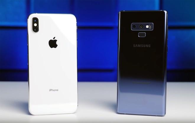 Quem leva a melhor? iPhone XS Max e Galaxy Note 9 se enfrentam em teste de bateria - Winew