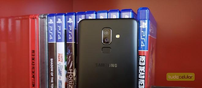 ff158e91d6b Entre os smartphones mais básicos, o Galaxy J8, da Samsung, levou a melhor  entre os internautas, com 46% dos votos. Nas suas especificações técnicas,  ...