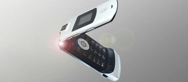 f06f8b325fd Patente exibe smartphone dobrável Motorola com semelhanças ao clássico V3