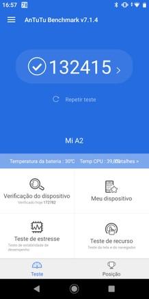 Mi A2 com Android Pie é tão veloz quanto o Pixel 3, mas peca demais