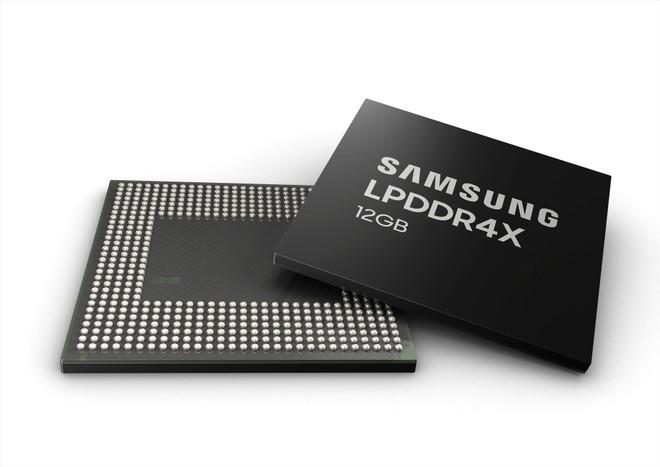Samsung inicia produção de novos chips com 12 GB de RAM para